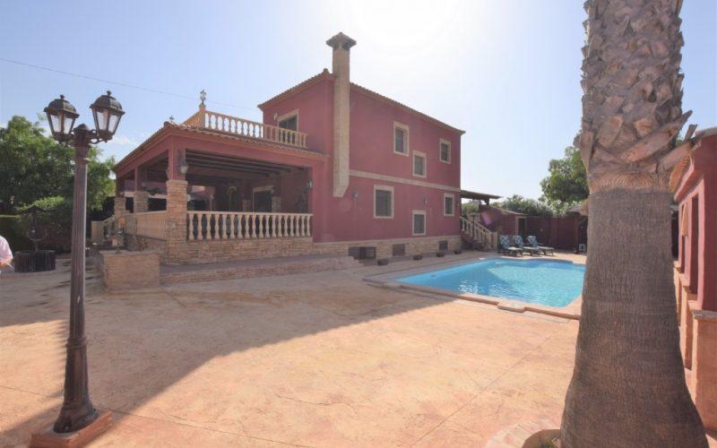 6 Detached Villa in Torrevieja